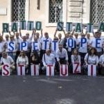 Blocco dei contratti dipendenti pubblici: illegittimo perchè viola la liberta' sindacale